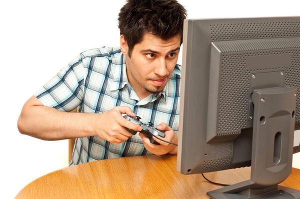 Компьютерная зависимость у мужчины в семье